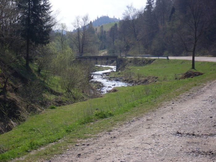 Річка Тишівниця на півночі села Труханів