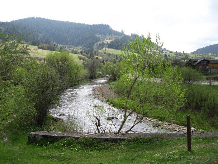 Река Головчанка в селе Головецк