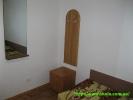 Фото зеркала и вешалки в номере
